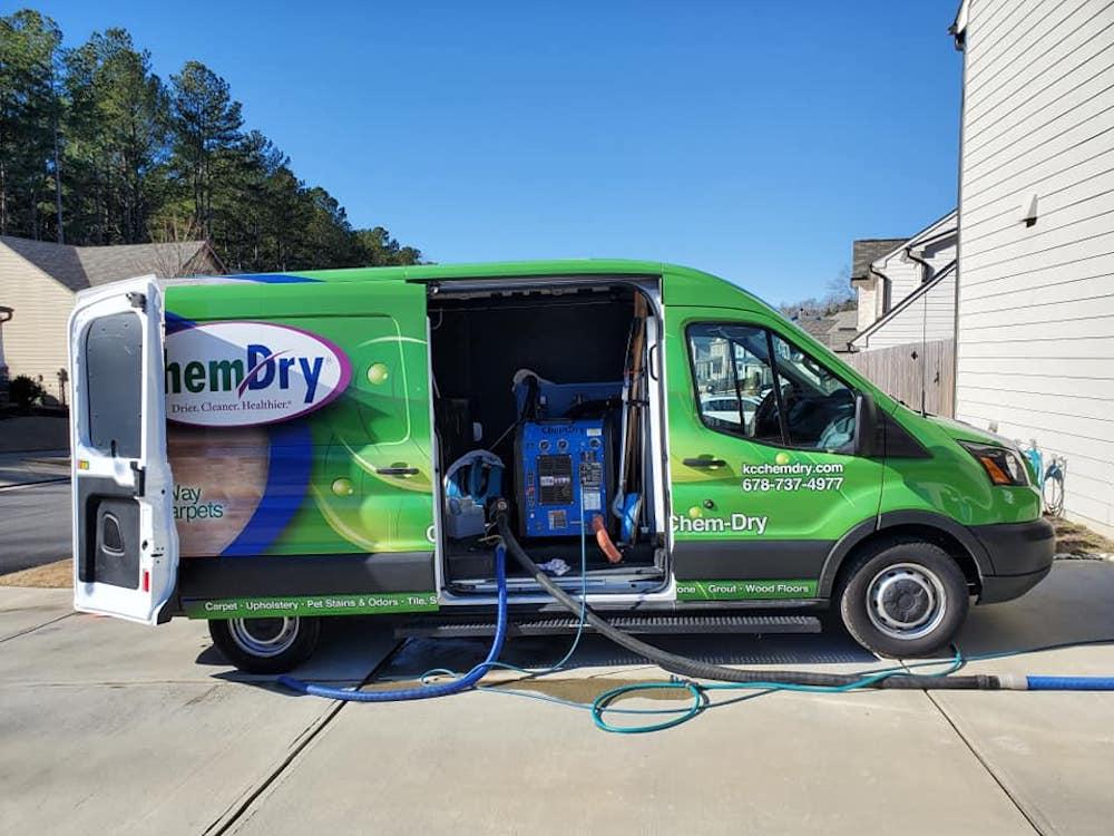 Green K&C Chem-Dry van
